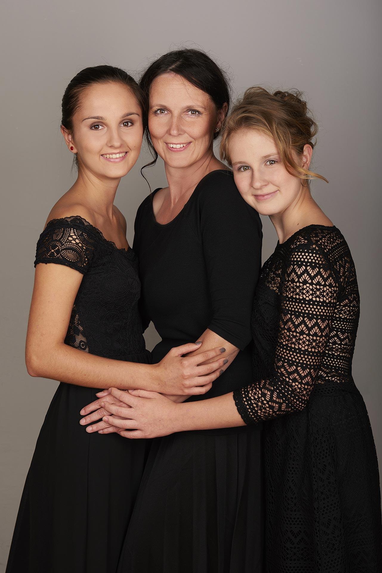 Jana Vandirkova s dcerami